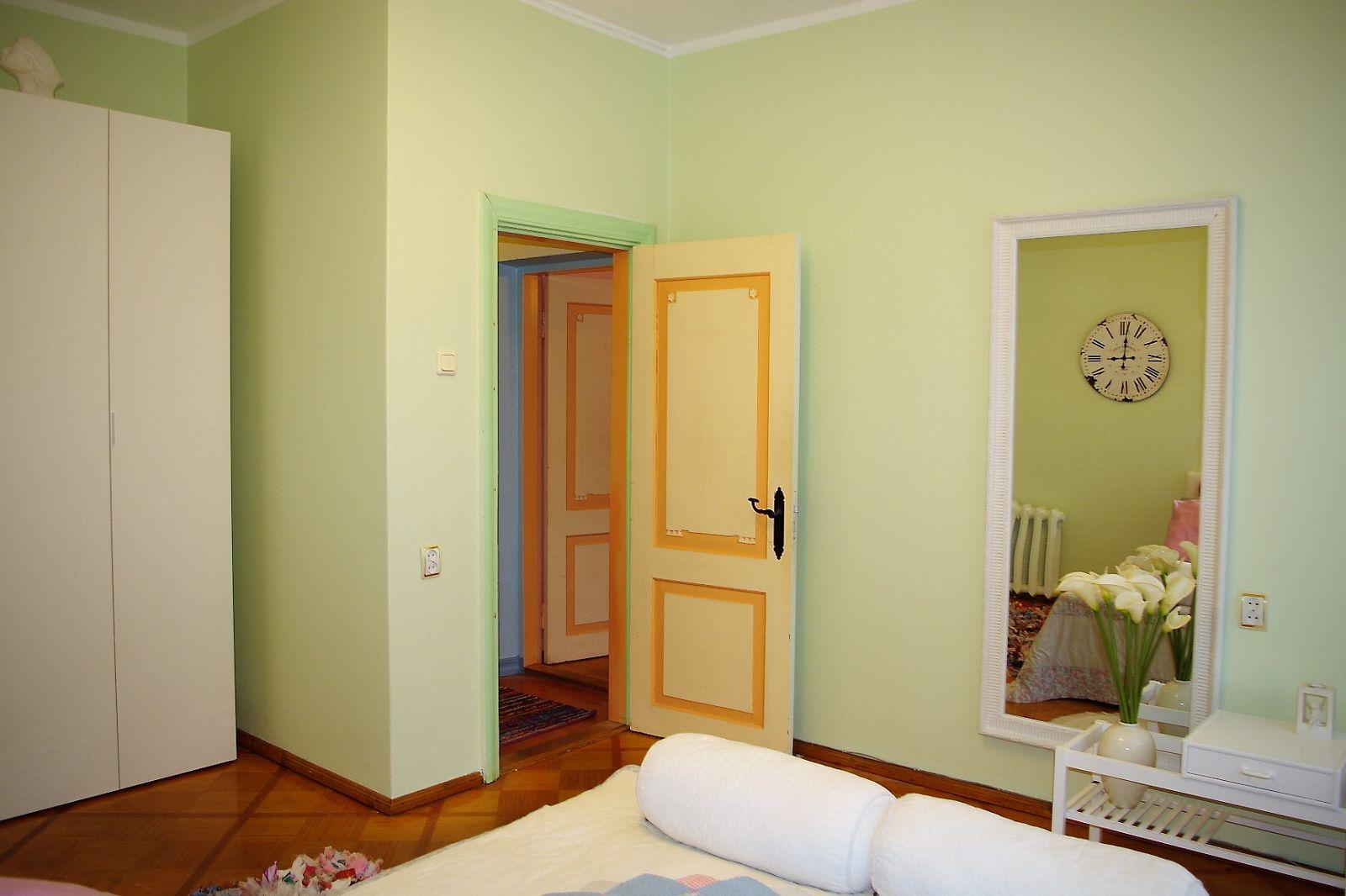 Gesamtplan (50 M2): Wohnzimmer, Schlafzimmer, Küche, Badezimmer /  Duschraum, Toilette. Die Wohnung Befindet Sich Im 2 Stockwerk, Im Haus Gibt  Es 2 ...